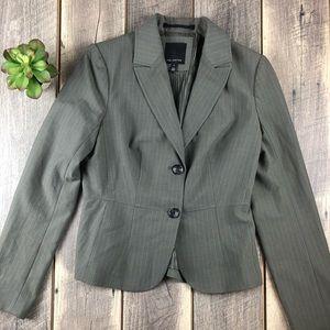 💕 The Limited Gray Pinstripe Blazer Size 6